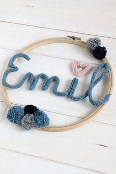 DIY Strickliesel - ideas for children's room decoration: embroidery hoop ideas can be implemented in a variety of ways. The Strickliesel font is an individual nursery wall decoration. Diy Jewelry Rings, Diy Jewelry Unique, Diy Jewelry To Sell, Diy Jewelry Holder, Jewelry Crafts, Lavender Nursery Decor, Nursery Wall Decor, Lavender Room, Baby Room Boy