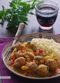 Hoy vuelvo a inspirarme en Marruecos mientras sigo soñando con poder hacer una escapada a este país que tanto tiene que ofrecer, como su riquísima gastronomí... Easy Cooking, Cooking Recipes, Healthy Recipes, Dieta Fodmap, Fodmap Recipes, Kung Pao Chicken, Makati, Food To Make, Food And Drink