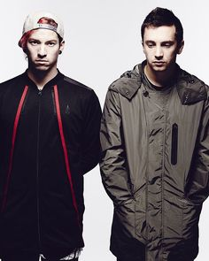 tbh I'm a Josh girl but when i see Tyler im just confused