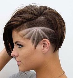Undercut-Girl Popular Short Haircuts 2018 – 2019 (Idea for V) Popular Short Haircuts, New Short Hairstyles, Undercut Hairstyles, Hairstyles With Bangs, Cool Hairstyles, Undercut Girl, Teenage Hairstyles, Latest Haircuts, Easy Hairstyle