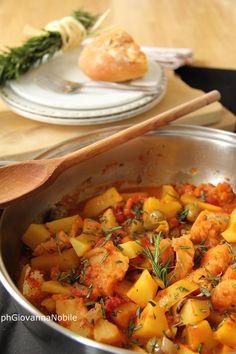 Baccalà in umido con patate, funghi e pomodorini