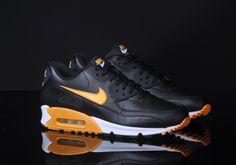 outlet store b4bb5 444ec Nike Air Max 90 Essential Black