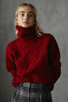 Outfits Mujer, Outfits Damen, Jumpers For Women, Cardigans For Women, Women's Jumpers, Red Sweaters, Cable Knit Sweaters, Winter Outfits 2017, Preppy Wardrobe