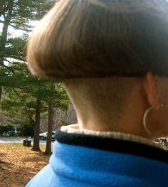 Picnic Bowl Short Hair Cuts, Short Hair Styles, Shaved Nape, Half Shaved, Bowl Haircuts, Very Short Haircuts, Bowl Cut, Cut My Hair, Unisex