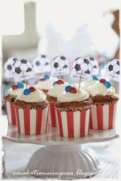 Synttärit jalkapallo teemaan Birthday Ideas, Cake, Desserts, Food, Tailgate Desserts, Deserts, Kuchen, Essen, Postres