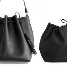 a9c8f42579 Bucket bag / Borsa a secchiello / borsa tracolla, in preziosa pelle di  vitello stampata saffiano o pelle liscia. Chiara Bucket bag