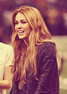 Miley Cyrus in love with her!!!