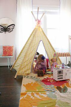 Tee pee tent made from a queen sheet via Darling Darleen