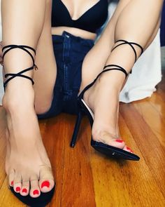 Perfect for jizzing Gorgeous Feet, Beautiful Legs, Beautiful Shoes, Sexy Legs And Heels, Hot High Heels, Women's Feet, Feet Soles, Foot Toe, Sexy Sandals