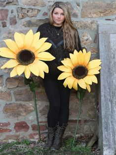 Oversize paper sunflowers with wired stems and petals for decorating a child's room or for use as stage props, party decorations, in photo shoots and in theater productions Handmade Flowers, Diy Flowers, Flower Decorations, Fabric Flowers, Giant Sunflower, Sunflower Party, Paper Sunflowers, Tissue Paper Flowers, Fleurs Diy