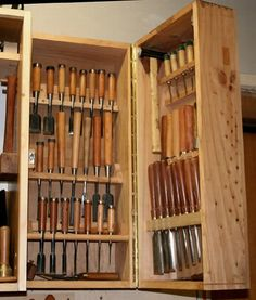 Lathe Projects, Woodworking Projects Plans, Teds Woodworking, Woodworking Chisels, Power Tool Storage, Power Tools, Small Bench, Old Tools, Diy Garage