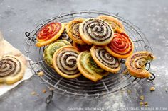 Aperitif puff pastry: snails in puff pastry - - Beef Soup Recipes, Healthy Crockpot Recipes, Brunch Appetizers, Appetizer Recipes, Snails Recipe, Crock Pot Meatballs, Party Meatballs, Grape Recipes, Grape Jelly Meatballs
