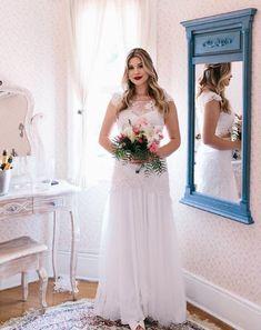 Vestido, maquiagem e cabelo da Niina Secrets em seu casamento civil Bridesmaid Dresses, Prom Dresses, Formal Dresses, Wedding Dresses, Brunch Wedding, Wedding Day, Wedding Stuff, Nina Secrets, Wedding Photos