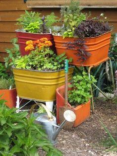 Stunning 21 Wash Tub Herb Garden Ideas https://gardenmagz.com/21-wash-tub-herb-garden-ideas/