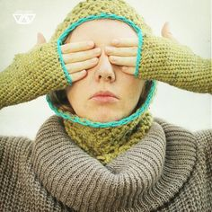 diEnes / rukuk/ crochet gloves and hooded cowl
