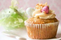 Bakergirl: Hummingbird Cupcakes.