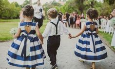 Que tal sair do tradicional e apostar em roupas listradas para as daminhas? #ceub #casaréumbarato #casamento #wedding