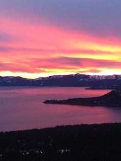 Lake Tahoe sunset Places Ive Been, Places To Go, Lake Tahoe Nevada, Serenity, Natural Beauty, Travel Destinations, Sunrise, Beautiful Places, Scenery