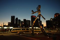 Traveling Man Sculpture located in Deep Ellum #deepellum #DeepEllumArts