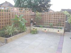 Paul Pym's garden transformation with railway sleepers PHOTO 7
