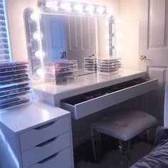 Beauty room or vanity My New Room, My Room, Spare Room, Rangement Makeup, Make Up Storage, Storage Ideas, Vanity Room, Vanity Decor, Makeup Rooms
