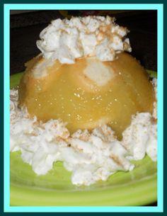 Jablka zbavíme slupky a jadřinců a nakrájíme na kostičky. Zalejeme 250 ml vody, přidáme cukr a citronovou šťávu a 10 minut povaříme. Mezitím si...