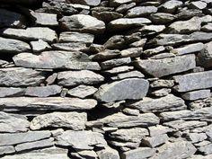 ** ARQUITECTURA ::: CONSTRUCCIÓN EN PIEDRA - Muro de pizarra sin elaboración previa