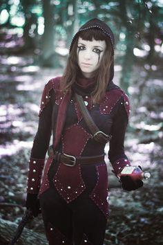 Dark brotherhood skyrim cosplay, caitlin in shrouded armour THIS IS AMAZING