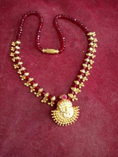 Pearl Necklace Designs, Gold Earrings Designs, Gold Temple Jewellery, Gold Jewellery Design, Gold Mangalsutra Designs, Gold Jewelry Simple, Jewelry Model, Gold Necklaces, Chocker