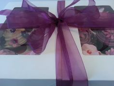 Say thank with beautiful pink and lilac cupcakes; you choose the flavours and colours to suit! Edible Gifts, Lilac, Pink, Corporate Gifts, Presents, Cupcakes, Suit, Colours, Touch