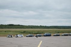Russian President Vladimir Putin arrived in Punkaharju on 27.7.2017. He was received by Finnish President Sauli Niinistö. A police officer carrying the presidents at Savonlinna Airport. Picture Police