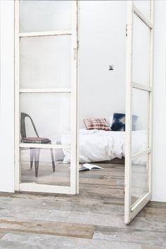 Old Wood, keramische versie van sloophout. Wand en vloerbekleding in vintage stijl. Afmeting 22x90 cm
