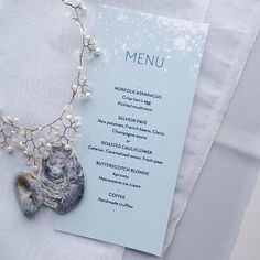 Beautiful menus to whet wedding guests' appetites. Anyone planning lunch already?