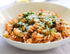 Paste Fusilli cu ton Fusilli, Pasta, Ethnic Recipes, Food, Salads, Essen, Noodles, Yemek, Ranch Pasta