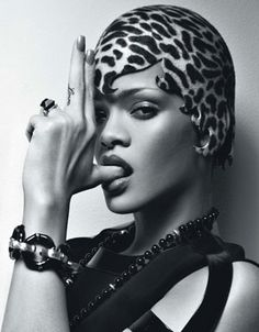 Rihanna in a cute cheetah cap! So it's not really hair, but we love it. #rihanna #hair #fashion