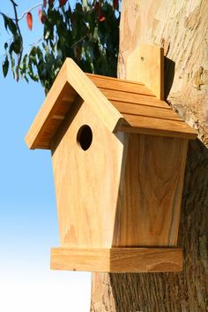 This weekend is the RSPB Big #Garden Birdwatch and here at #Dorset Log Stores we're getting ready to take part by sorting out our bird tables.