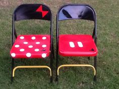 Rusty metal folding chairs refurbished into cute Mickey and Minnie Mouse chairs.