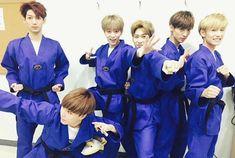 Taekwondo Presentación especial #보이프렌드 #Boyfriend #Kpop #Boyband