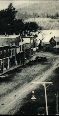 Barnard Avenue, Kelowna :: British Columbia Postcards Collection