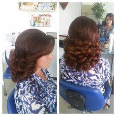 Teased Hair, Bouffant Hair, Big Blonde Hair, Big Hair, Hairdos For Short Hair, Short Hair Styles, Retro Hairstyles, Curled Hairstyles, Beauty Tips For Face