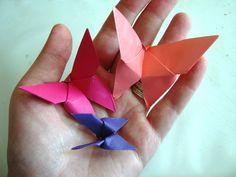Kelebek Sanat Etkinliği | MiniMiniyiz Origami Butterfly Easy, Butterflies, Craft, Creative Crafts, Creativity, Butterfly