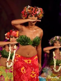 Tahiti Hotels, French Polynesia - Amazing Deals on 317 Hotels Polynesian Girls, Polynesian Dance, Polynesian Islands, Polynesian Culture, Tahiti Vacations, Tahitian Costumes, Tahitian Dance, Hula Dancers, Dressing Rooms
