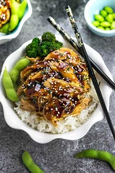 Easy Instant Pot Teriyaki Chicken is the perfect set and forget meal! Made with homemade teriyaki sauce, this Japanese chicken recipe is simply delicious! Crockpot Chicken Dinners, Slow Cooker Chicken, Crockpot Recipes, Chicken Recipes, Cooker Recipes, Healthy Chicken, Freezer Meals, Teriyaki Chicken, Salsa Teriyaki Casera