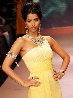 Beautiful Gown and Birdhichand Ghanshyamdas Jewelry, Jaipur http://www.bgjewellers.in/BirdhichandGhanshyamdasJewellers.html