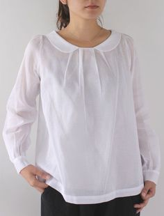 Keichy - CLOTHINGShirts & Blouses - Envelope is a unique online shopping mall made up of a few independent shops from all around Japan. Kurta Designs, Blouse Designs, Shirts & Tops, Shirt Blouses, Linen Blouse, Linen Dresses, White Shirts, Mode Outfits, Mode Style