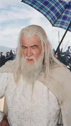 Hobbit Art, The Hobbit, Ian Mckellen Gandalf, Lord Of The Rings Tattoo, Epic Film, Pink Costume, New Line Cinema, Into The West, White Costumes