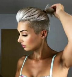Source: 41 Fashionable Hair Color Ideas For Winter 2019 Undercut Hairstyles, Cool Hairstyles, Fashion Hairstyles, Haircuts, Love Hair, Great Hair, Short Hair Cuts, Short Hair Styles, Half Shaved Hair