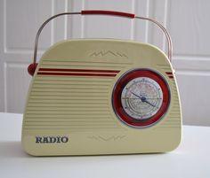 Dosen - Nostalgie Radio Dose beige - ein Designerstück von www.geschenke-tee-keramik.de