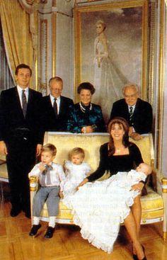 Caroline & Stephano Casiraghi with their 3 children - 1987