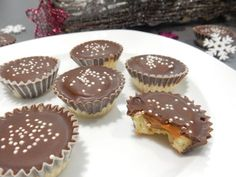 A great recipe for caramel cupcakes. Christmas Sweets, Christmas Candy, Christmas Baking, Caramel Cupcakes, Czech Recipes, Types Of Cakes, Caramel Recipes, Desert Recipes, Great Recipes